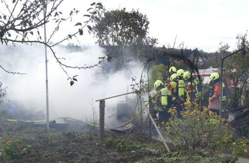 Gesicht durch Feuer in Gartenhütte verbrannt