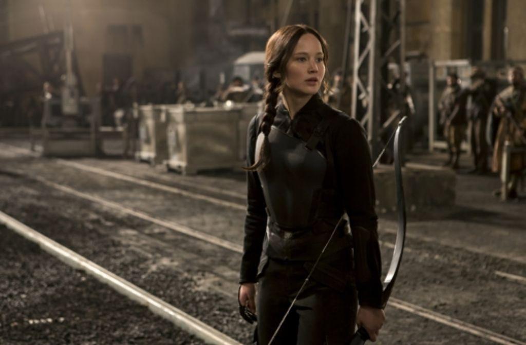 Katniss Everdeen (Jennifer Lawrence) ist sich nicht mehr sicher, ob sie nur für die gute Sache kämpft. Foto: Verleih