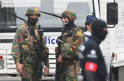 Bombenanschlag vor Polizeigebäude