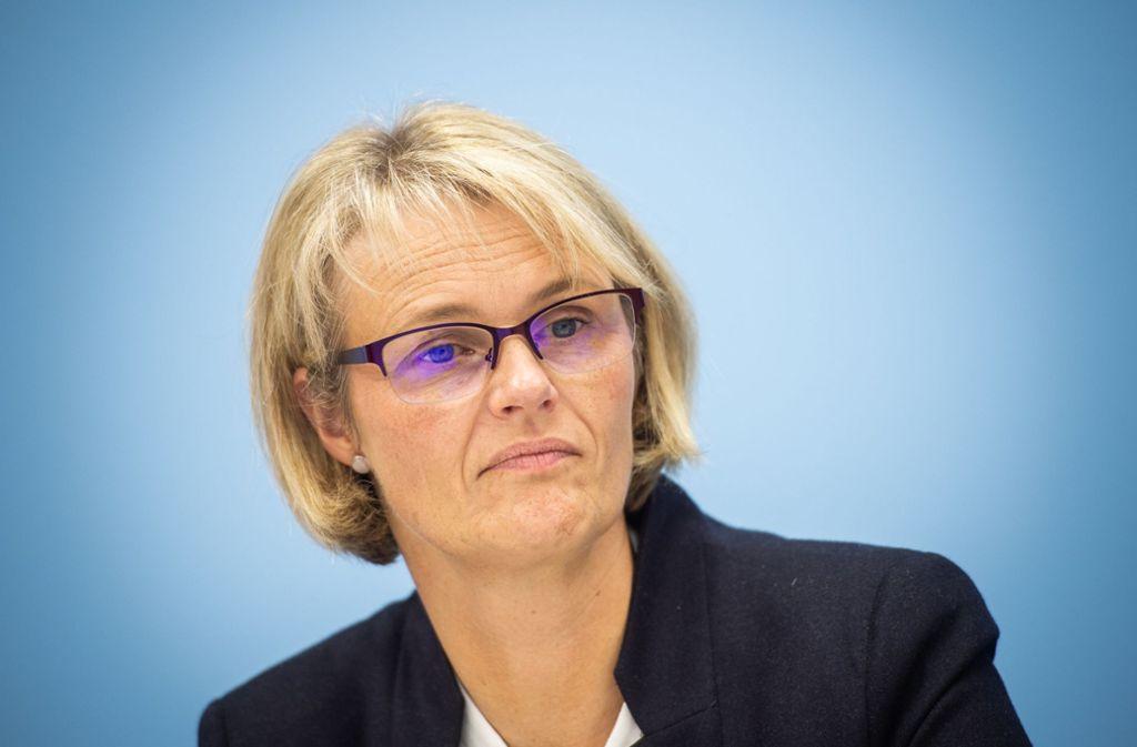 Anja Karliczek (CDU) macht sich für eine korrekte Orthografie stark. Foto: dpa/Arne Immanuel Bänsch
