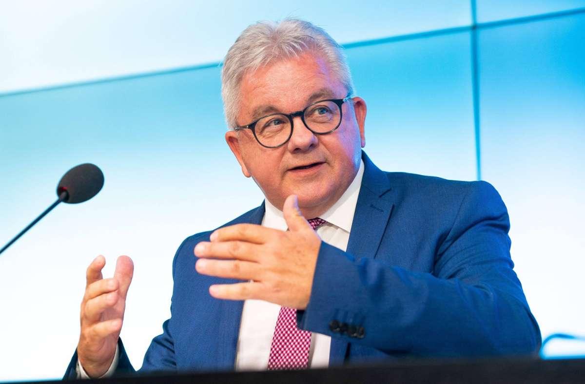 Guido Wolf bleibt skeptisch für die Tourismusbranche. Foto: imago images/7aktuell/M. Gruber
