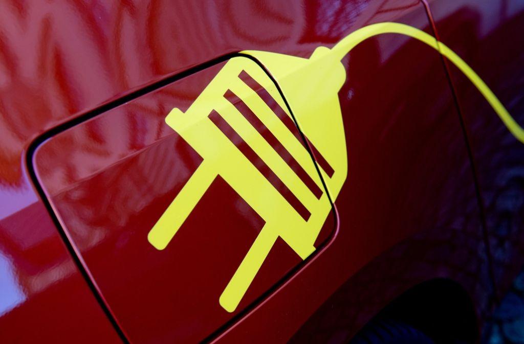 Deutschland hinkt seinem Ziel, dass bis 2020 eine Million Elektroautos auf deutschen Straßen rollen sollen, noch mächtig hinterher. Das soll jetzt eine Prämie verbessern. Foto: dpa