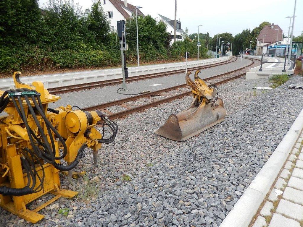 Arbeiter Reparieren Die Verbogenen Gleise Der Strohg Ubahn