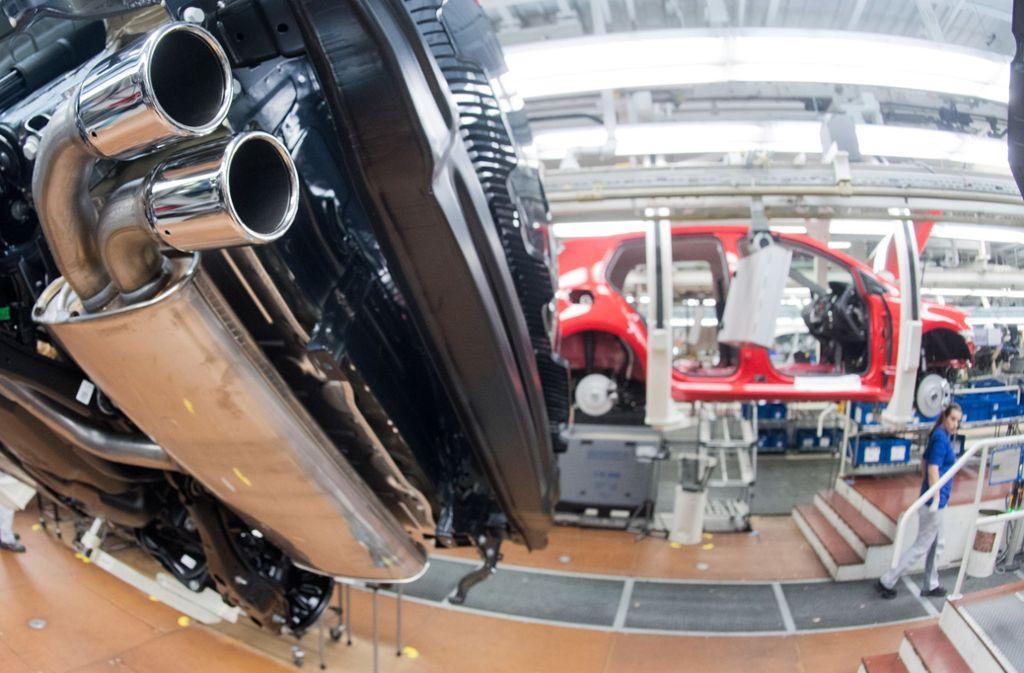 Wie geht es weiter im Streit um die Dieselfahrzeuge von VW? Foto: dpa/Julian Stratenschulte