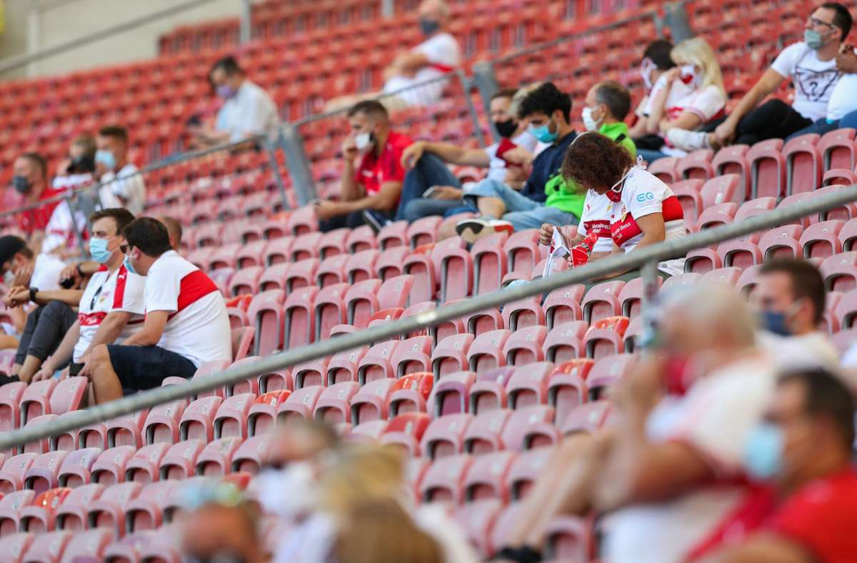 Viele Fans haben Verständnis für die Maskenpflicht im Stadion des VfB Stuttgart. Foto: dpa/Tom Weller