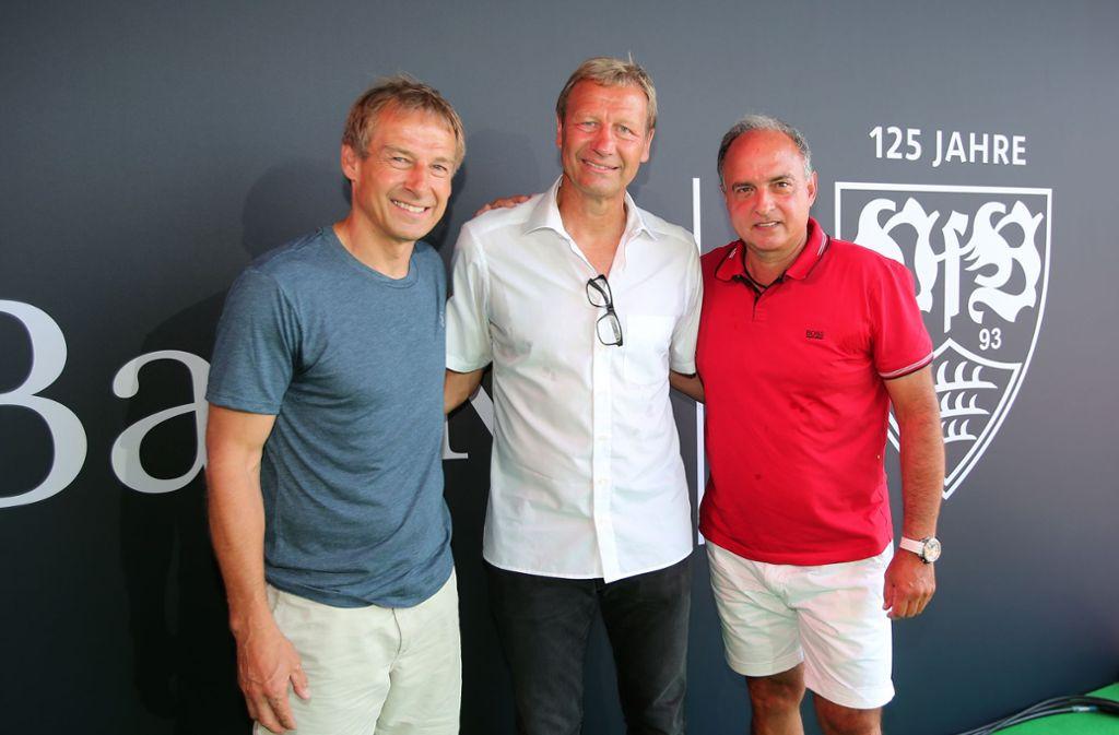 VfB-Legenden unter sich: Jürgen Klinsmann, Guido Buchwald und Hansi Müller (v. li.) Foto: Baumann