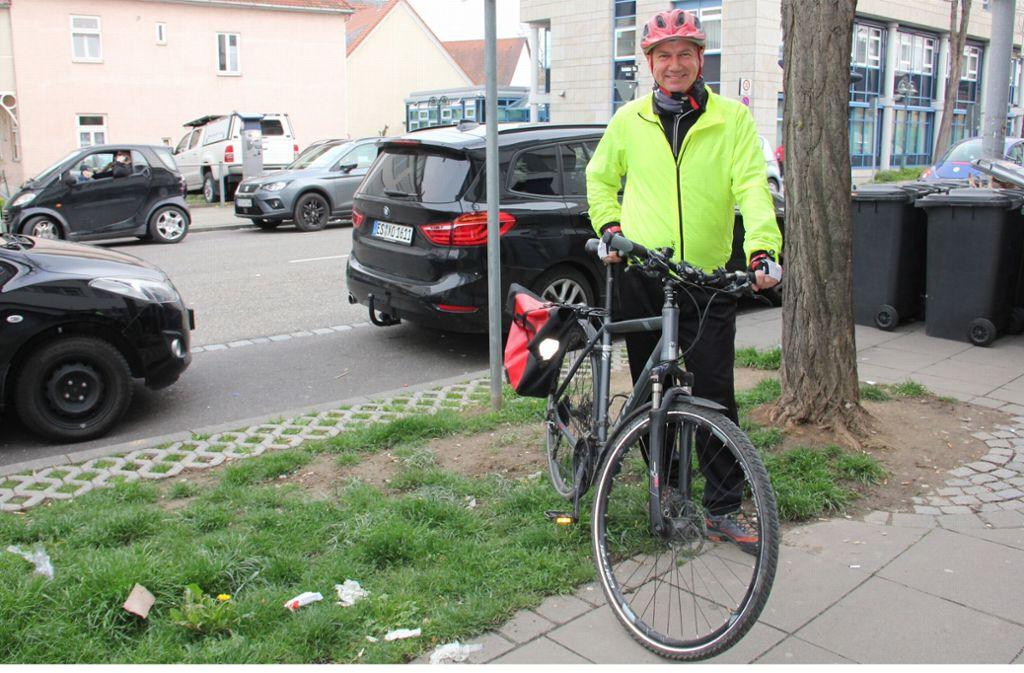 Zum Interview in den Räumen der Nord-Rundschau kommt   Stephan Oehler in voller Radlermontur. Er  fährt   regelmäßig     vom Wohnort Zuffenhausen zum Arbeitsplatz  in die Innenstadt. Foto: Georg Friedel