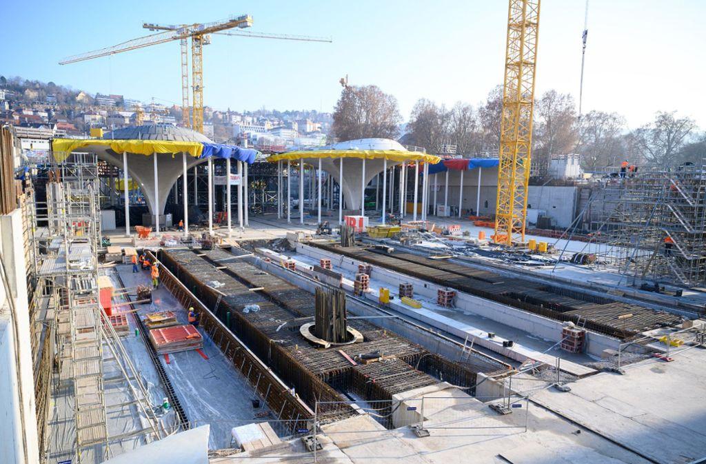 Wer schlussendlich die Mehrkosten von Stuttgart21 begleicht, ist unklar. Foto: dpa/Sebastian Gollnow