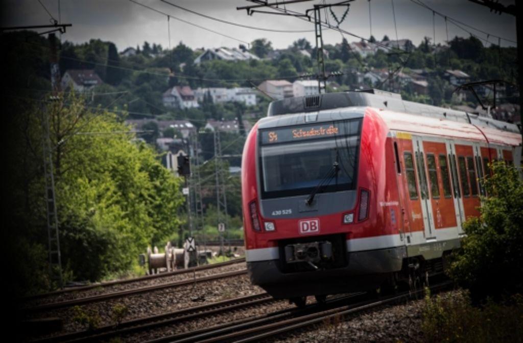 Der VVS erhöht die Preise – und die StZ-Leser diskutieren intensiv darüber, ob das sein muss und was der Verkehrsverbund besser machen müsste. Foto: Lichtgut/Achim Zweygarth