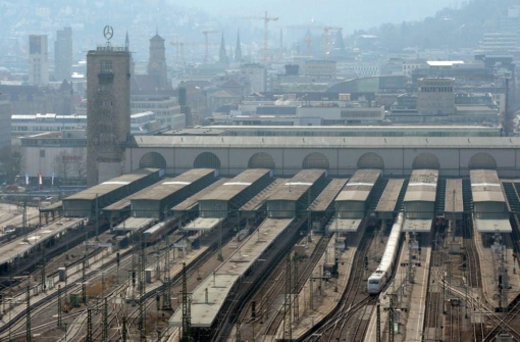 Der Stuttgarter Hauptbahnhof ist eine große Baustelle – auch politisch. Wir dokumentieren die Geschichte des Projekts in einer Bilderstrecke. Foto: dpa