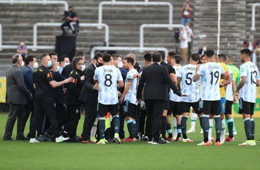 Brasilien gegen Argentinien nach Corona-Kontroverse abgebrochen