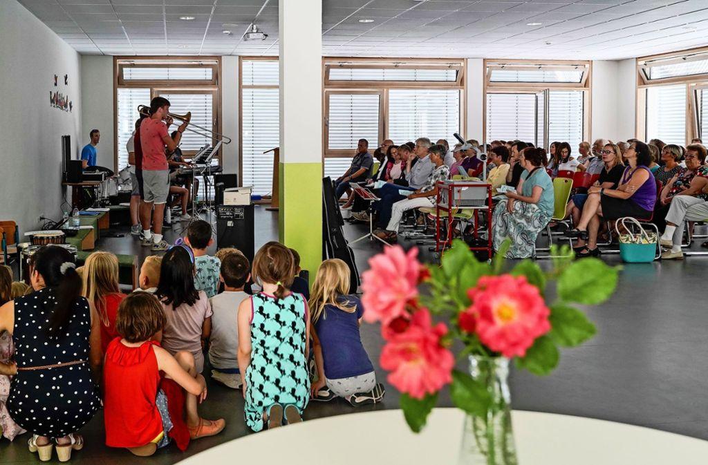 Die Würmtalschule freut sich über die neue Mensa. Die Pfeiler in der Mitte hatten indes für Kritik gesorgt. Foto: factum/