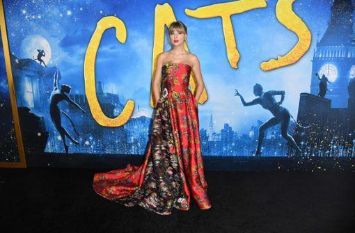 """Star-Besetzung feiert Premiere von """"Cats"""""""