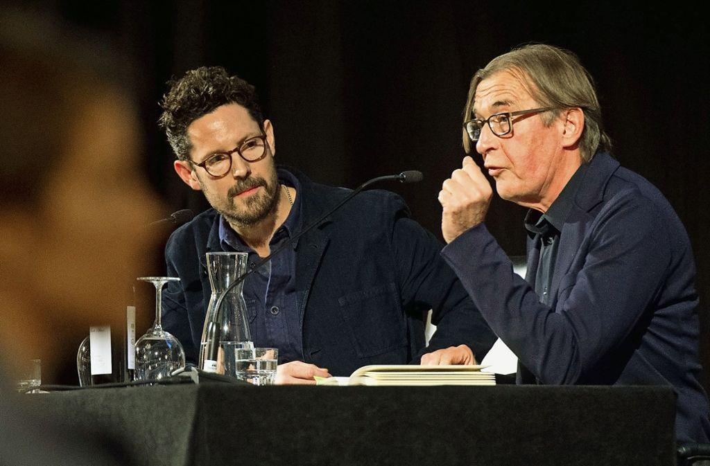 Max Herre (links) und Wolfgang Schorlau am Donnerstag in der Alten Reithalle Foto: Lichtgut - Oliver Willikonsky