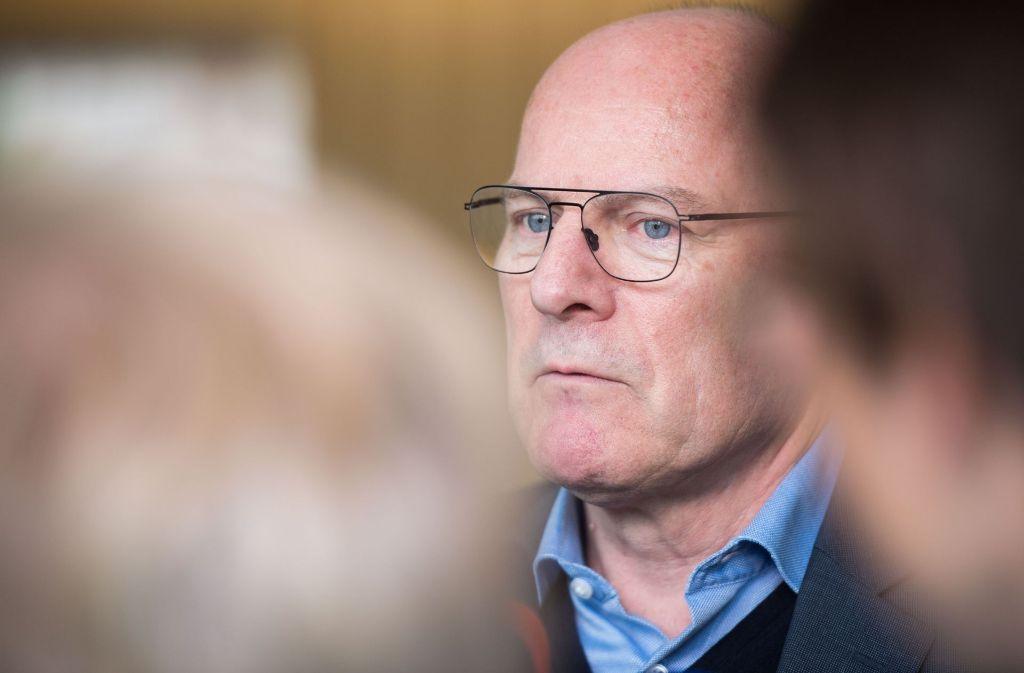 Verkehrsminister Winfried Hermann hofft bei der Wendlinger Kurve auf Geld vom Bund. Foto: dpa