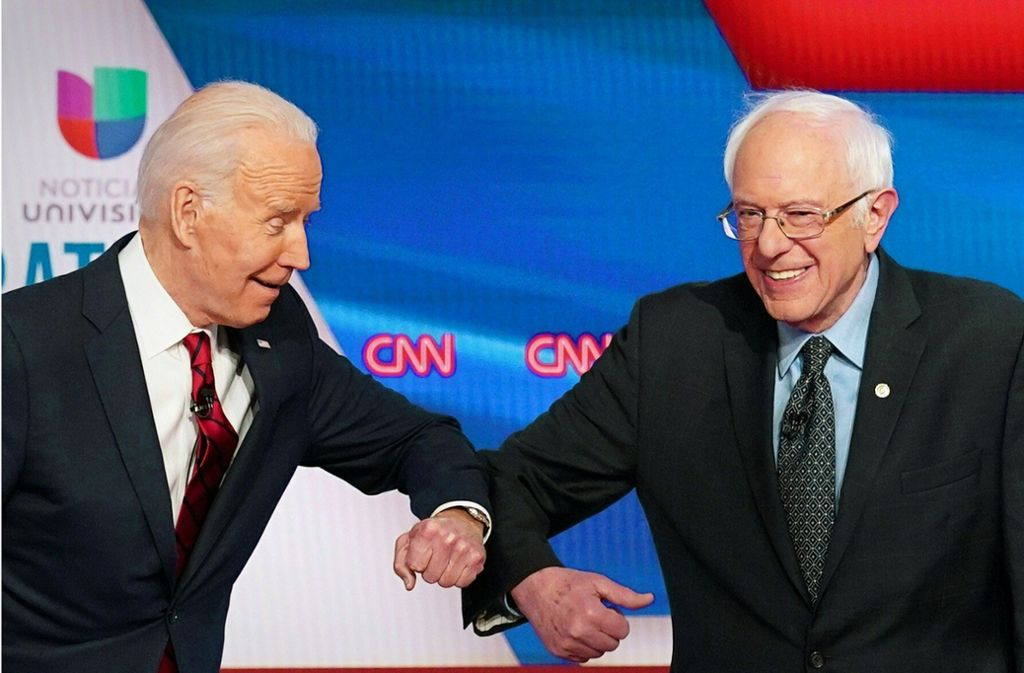 Bernie Sanders (rechts) ist aus dem US-Präsidentschaftsrennen ausgestiegen, damit ist der Weg freu für Joe Biden (links). Foto: AFP/MANDEL NGAN
