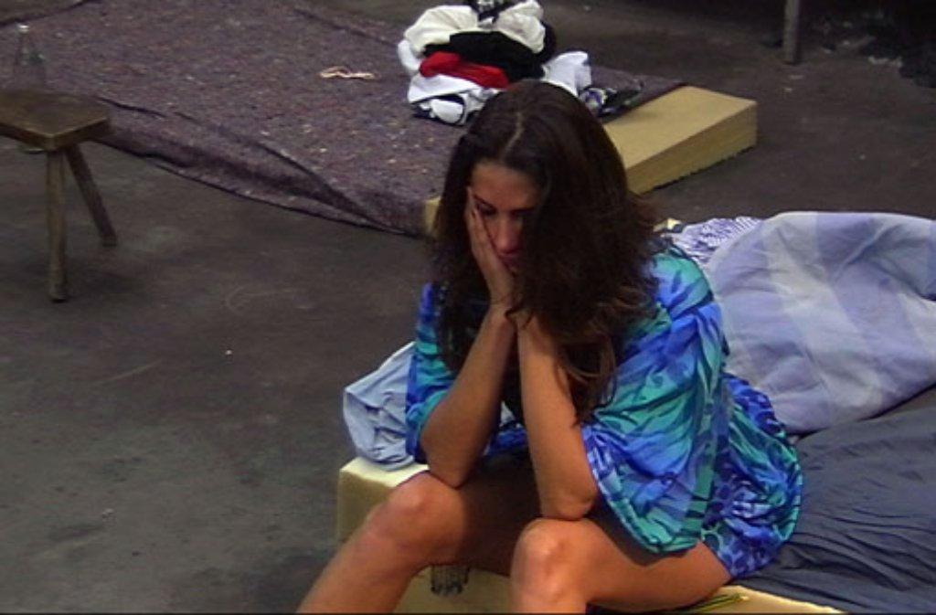 Menno! Janina Youssefian zurück im Promi Big Brother-Keller Foto: Sat.1
