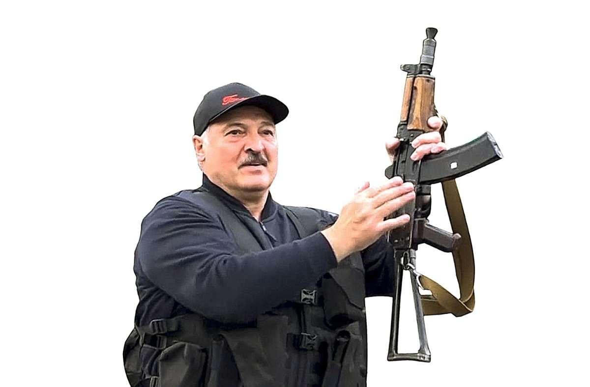 Präsident Lukaschenko lässt schon mal die Muskeln spielen. Foto: dpa/Uncredited