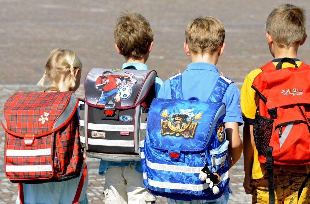 Ranzen statt Rucksack – empfiehlt eine Physiotherapeutin für Grundschüler. Foto: dpa