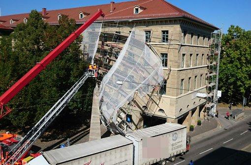 Rotebühlstraße nach Lkw-Unfall gesperrt
