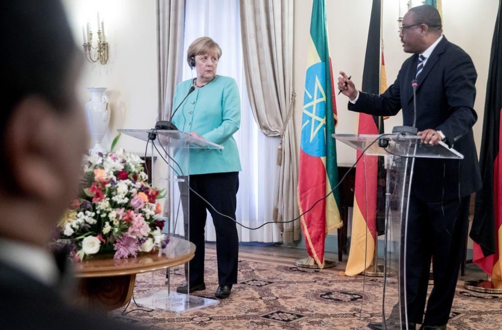 Angela Merkel im Gespräch mit dem äthiopischen Ministerpräsident Hailemariam Dessalegn. Foto: dpa