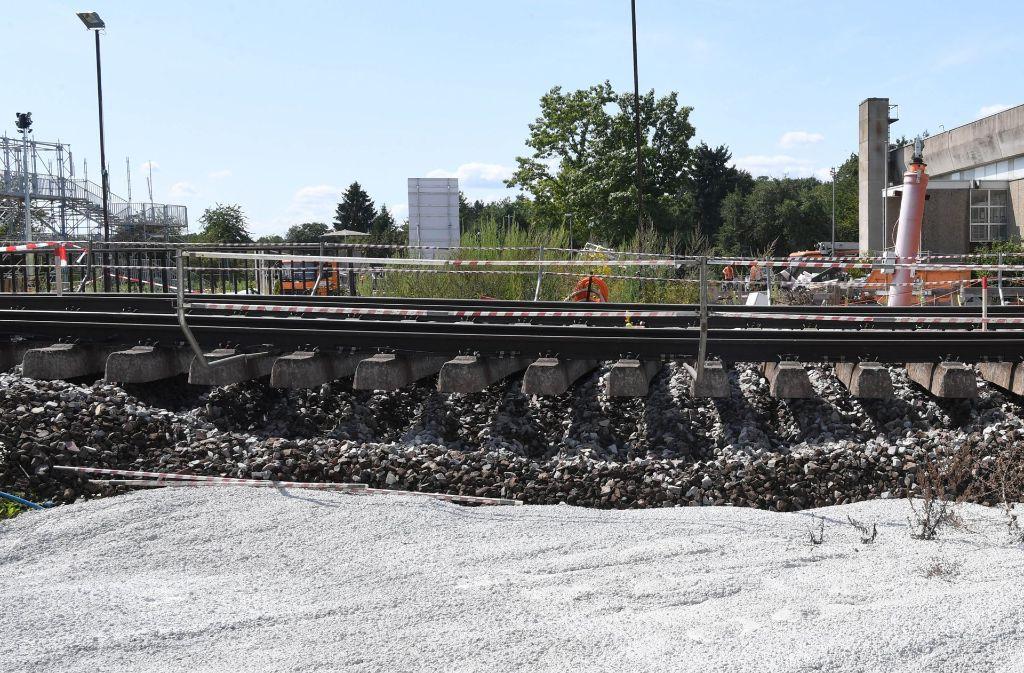 Wann die Sperrung der Rheintalbahn bei Rastatt aufgehoben wird, ist noch unklar. Foto: dpa