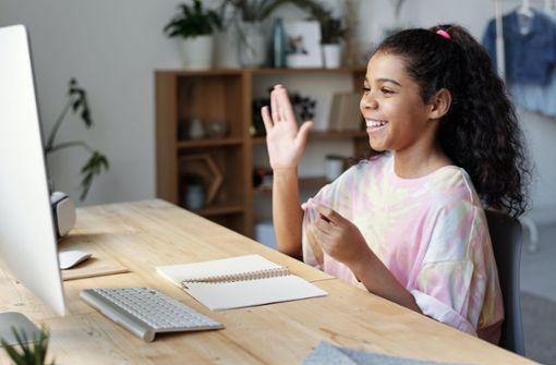 Porsche-Spende für Digitalprojekte an Schulen