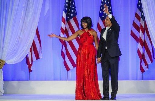 Michelle Obama trug ein schlichtes, knallig rotes Kleid von Jason Wu. Foto: dpa/ EPA