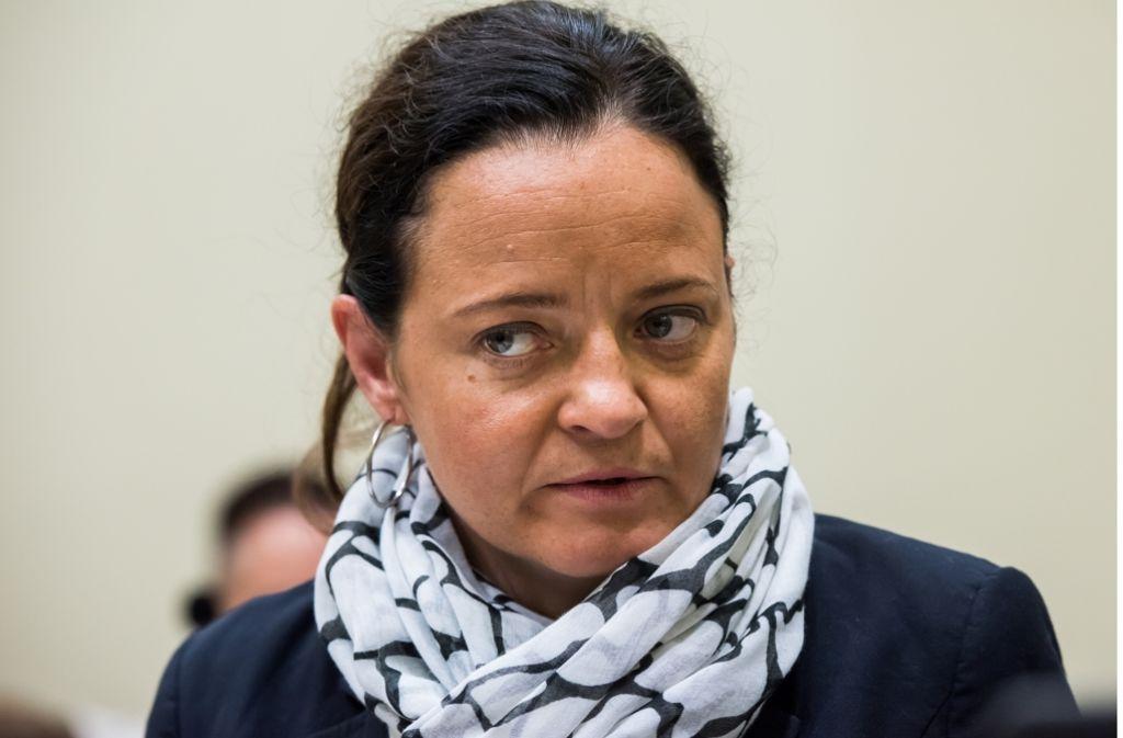 Beate Zschäpe könnte den Ermittlern helfen. Doch die Angeklagte im NSU-Terrorprozess schweigt . Foto: Getty Images Europe