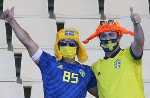 So feiern die Fußball-Fans die Rückkehr in die Stadien