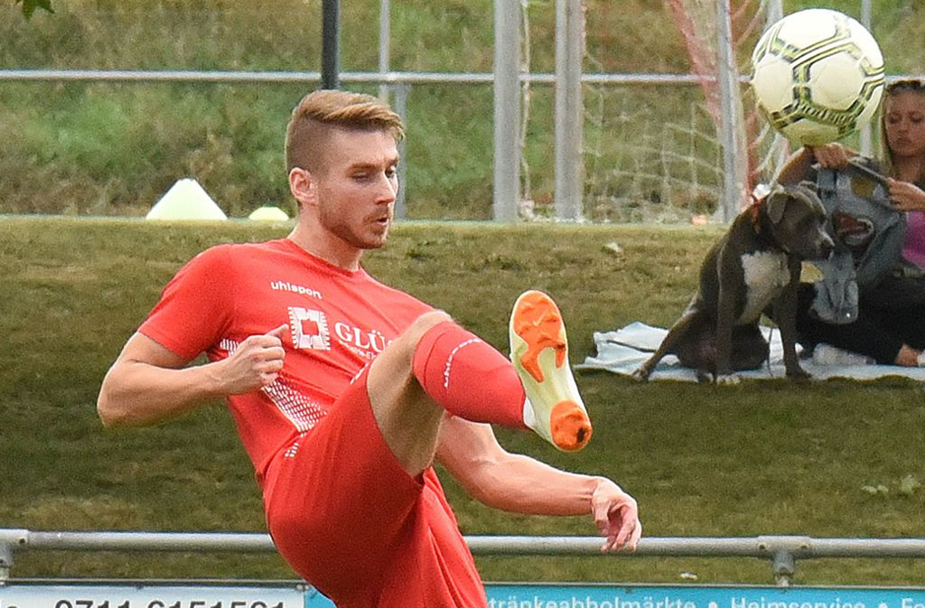 Kevin Rippler war mit drei Treffern und einer Torvorlage der Plattenhardter Mann des Tages. Foto: Günter  Bergmann