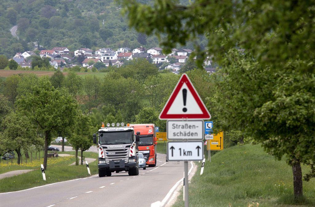 Die Landesstraße zwischen Owen und Beuren muss saniert werden. Foto: Horst Rudel/Archiv