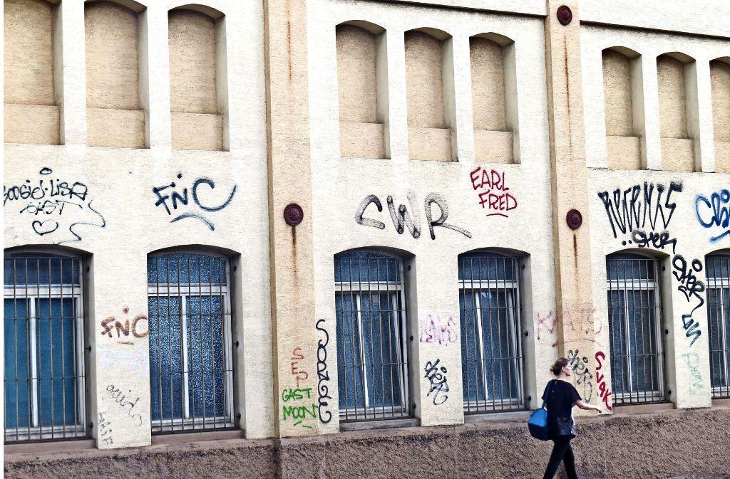 Mit Street Art haben die Schmierereien im Süden wie hier in der Schickhardtstraße nichts zu tun. Jetzt will der  Bezirksbeirat dagegen vorgehen. Foto: Sybille Neth