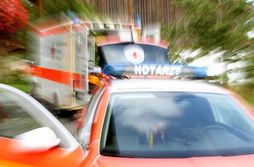 Frau vor Klinik in Brand gesteckt
