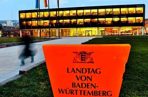 Die Abgeordneten wünschen sich Tageslicht im Plenarsaal. Foto: dpa