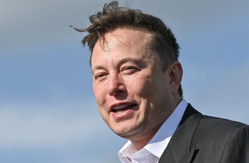 """Tesla-Chef kündigt """"wahnsinnige"""" Entwicklungen bei der Batterie an"""
