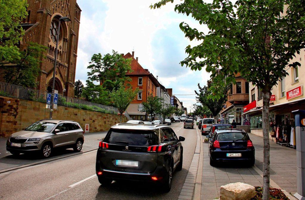 Noch dürfen 50 Stundenkilometer auf der Unterländer Straße gefahren werden. Das neue Tempolimit soll von Sommer an für mehr Verkehrssicherheit sorgen. Foto: Bernd Zeyer