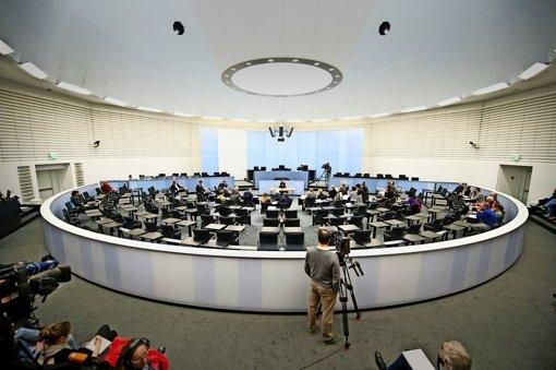 """Der Ausschuss verhörte am Montag den Zeugen Andre H.. Er  gehörte zu der rechtsextremistischen Szene in und um Heilbronn, der sich in den Jahren 2010/2011 auch Florian H. und """"Matze""""  anschlossen. Foto: dpa"""