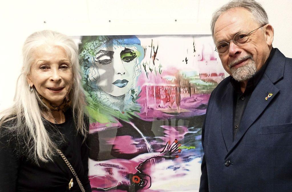 Künstlerin Ada Mee und Professor Helge Bathelt in der Ausstellung. Foto: Iris Frey