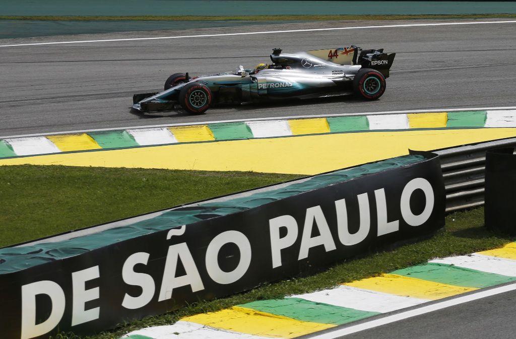 Mitglieder des deutschen Formel-1-Rennstalls Mercedes sind bei einem bewaffneten Überfall in São Paulo ausgeraubt worden. Foto: AP