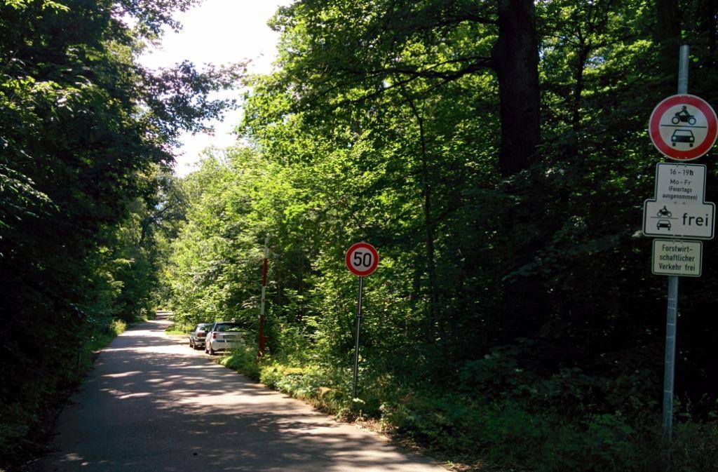 Noch ist die Schranke offen an der Buowaldstraße – noch. Foto: Archiv Brand