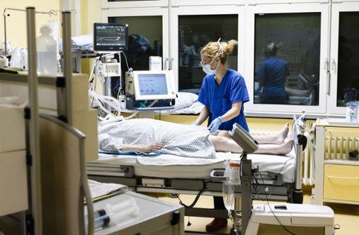 Wie hoch ist das Gehalt von Krankenschwester und Arzt?