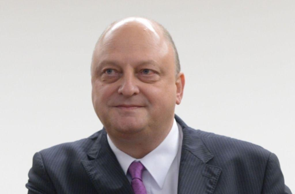 Olaf Glaeseker hat vor Gericht ausgesagt, er sei seit langem mit dem Eventmanager  Manfred Schmidt eng befreundet. Der hat dies  bestätigt. Foto: dpa