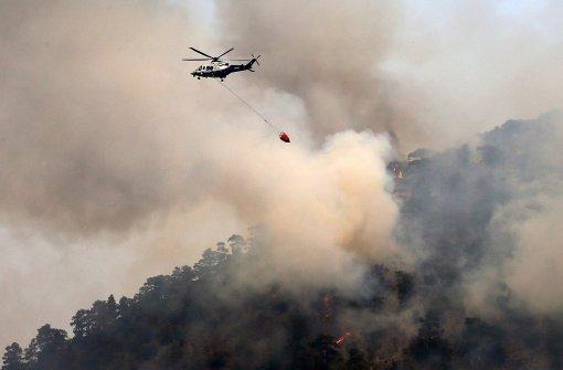 Mit Löschflugzeugen gegen das Feuer