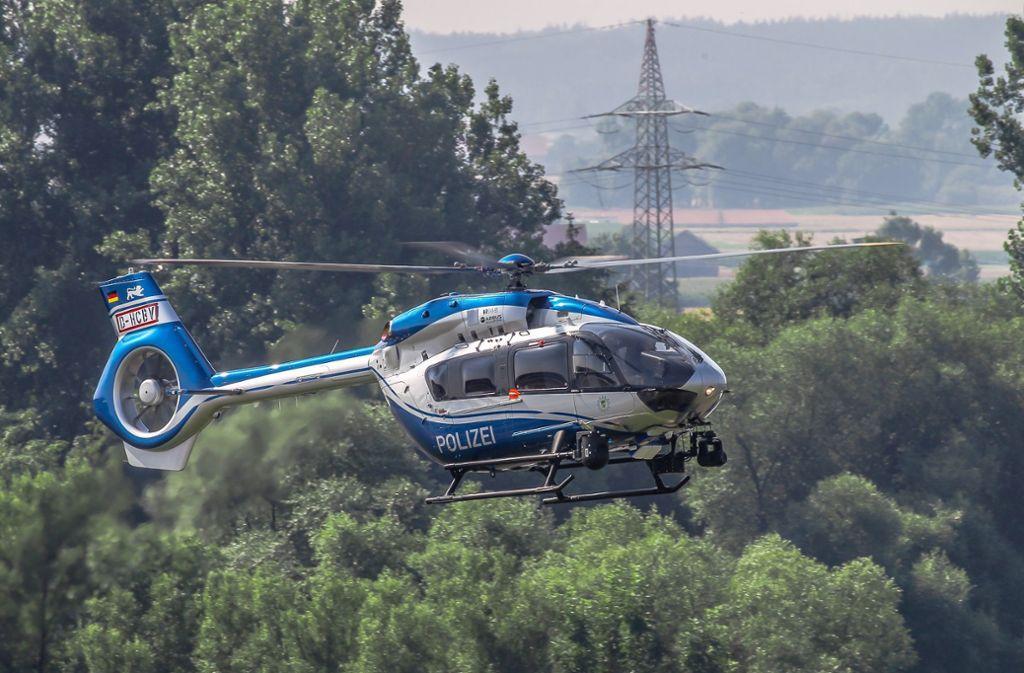 An der bislang erfolglosen Suche war auch ein Polizeihubschrauber beteiligt (Symbolbild). Foto: Polizeipräsidium Einsatz/Airbus Helicopters