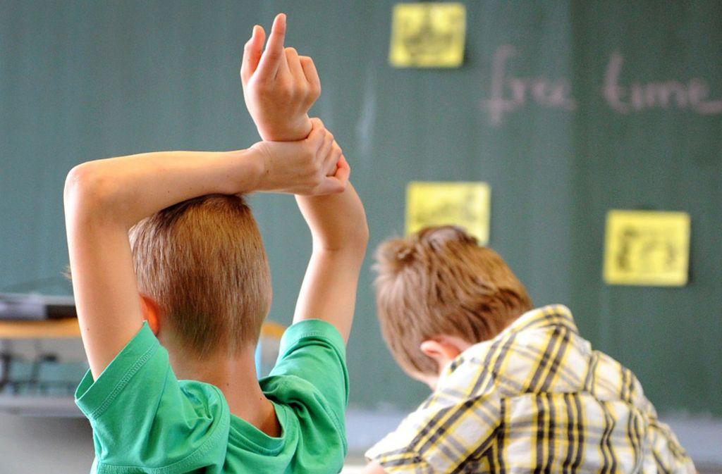 Wie ticken Schüler in anderen Bundesländern? Thüringens Bildungsminister Helmut Holter schlägt einen Schüleraustausch zwischen Ost- und Westdeutschland vor. Foto: dpa