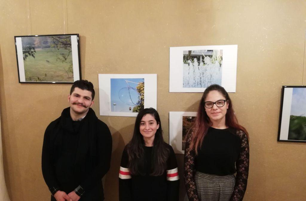 Mahmoud al-Saysed, Nasima Bakr und Andrea Stefania haben an der Werkstatt W4 teilgenommen und sich mit der  Wohnungsnot in Stuttgart befasst. Foto: Cedric Rehman