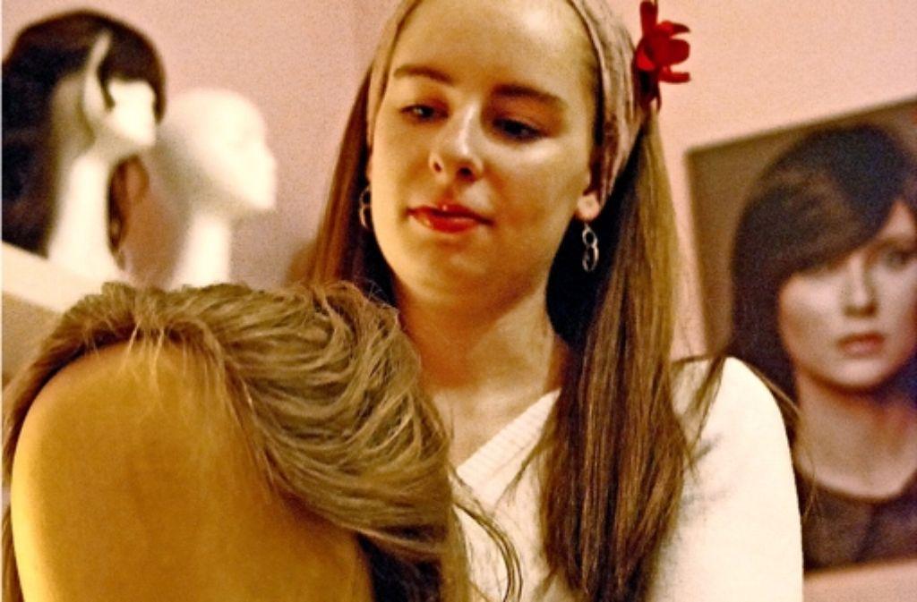 Daniela Kaner verarbeitet nur Haare, die auch das Zertifikat  koscher  haben. Foto: Mostegel
