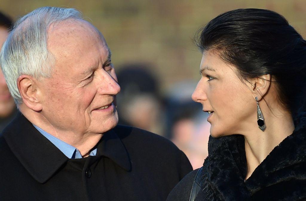 Oskar Lafontaine und Sahra Wagenknecht wollen über eine linke Sammlungsbewegung das Parteiensystem verändern. Foto: dpa