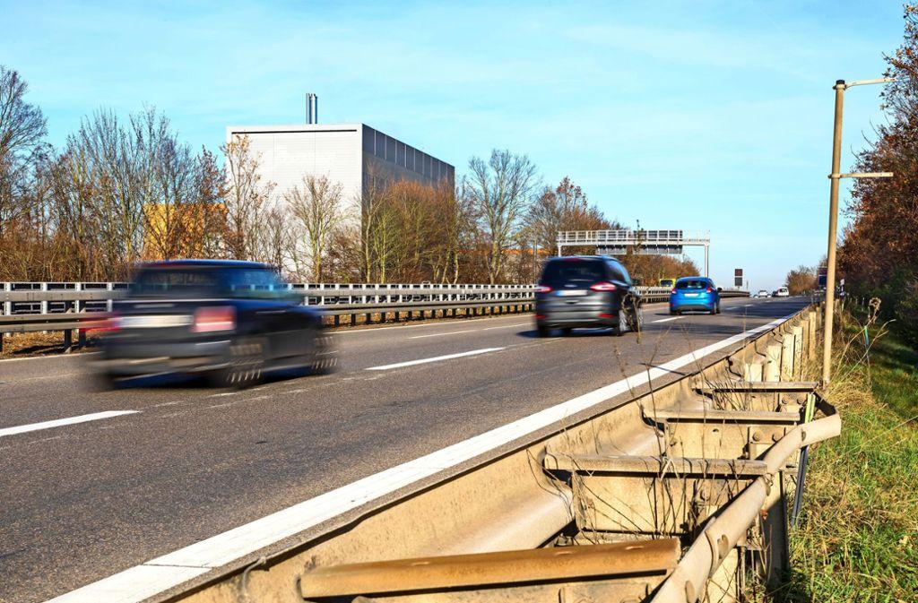 Pendler wissen: Zwischen Aichtal und Bonlanden kommt es auf der B27 in Fahrtrichtung Stuttgart morgens oft zu Staus. Foto: Krämer